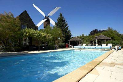 Logis Domaine du Moulin Cavier hôtel avec piscine & Spa à Avrillé